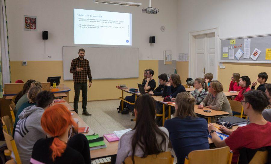Popularizační přednášky Mgr. Jaroslava Emmera na gymnáziích
